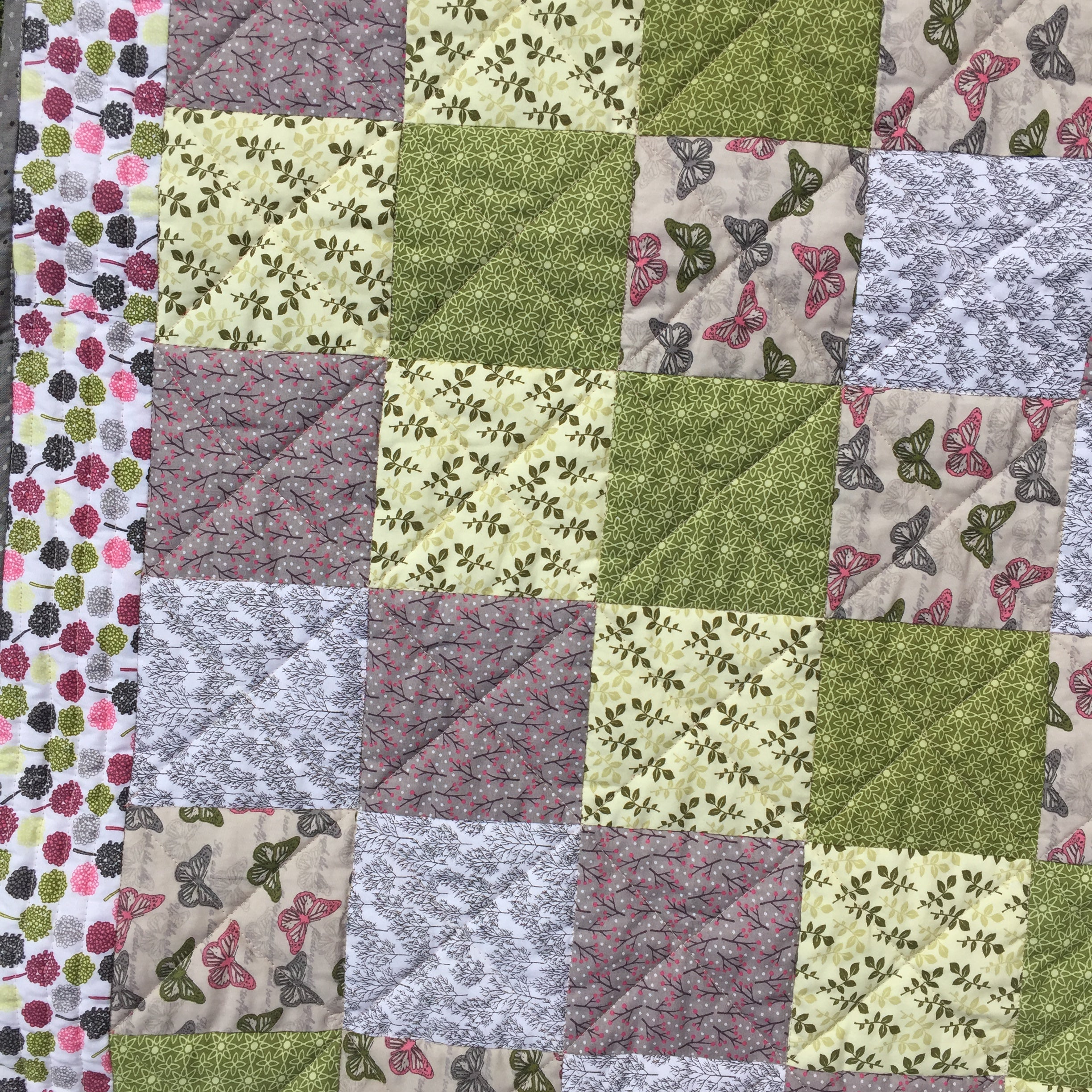 Around the Garden Quilt - Alessandra Handmade Creations