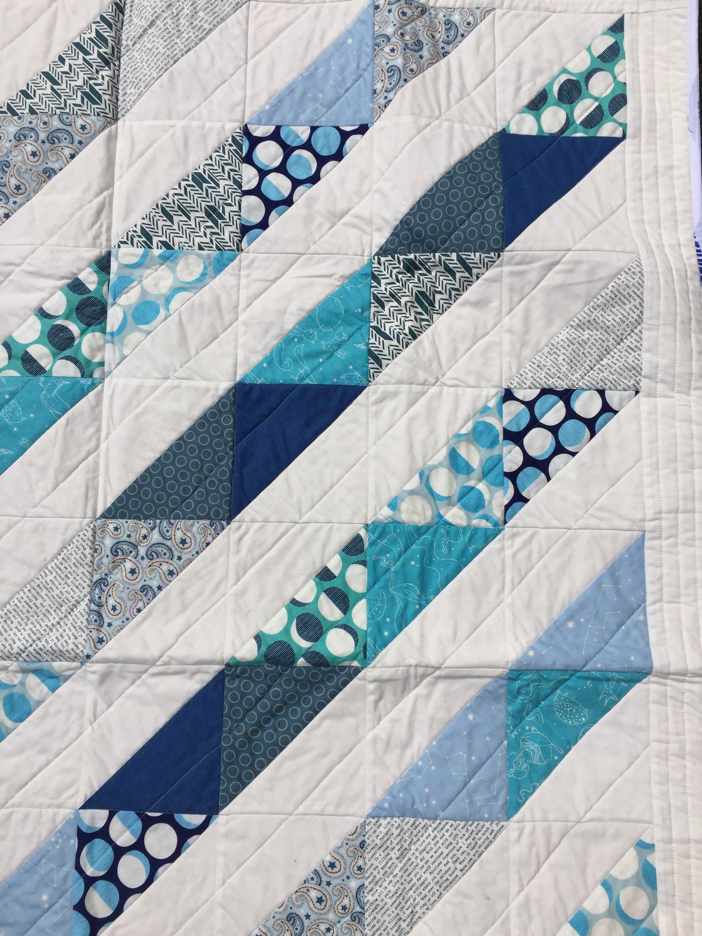 Out of the Blue Quilt - Alessandra Handmade Creations