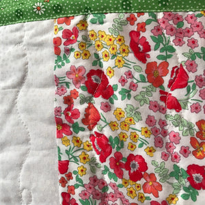 The White Garden Quilt - Alessandra Handmade Creations