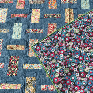 The Blue Garden Quilt - Alessandra Handmade Creations