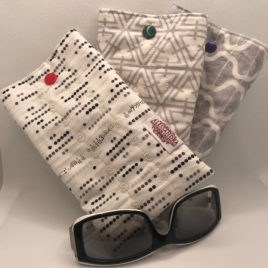 Fabric Sunglasses Quilted Pouch - Silvery Whites