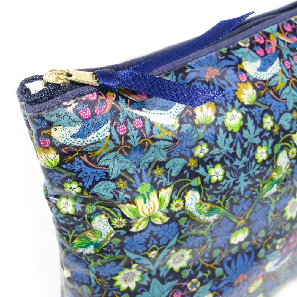Wash Bag Strawberry Thief Blue - Alessandra Handmade Creations