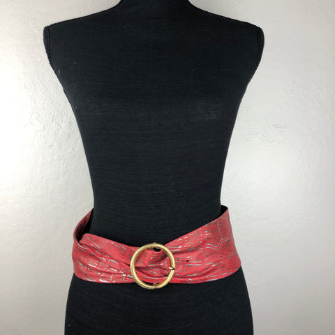 Red and silver wide leather belt with gold buckle