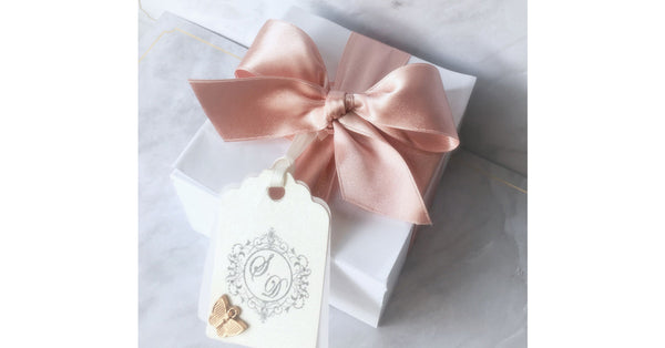 Ideas for wedding favours in Toronto. Order customized wedding favours from OMBITES.