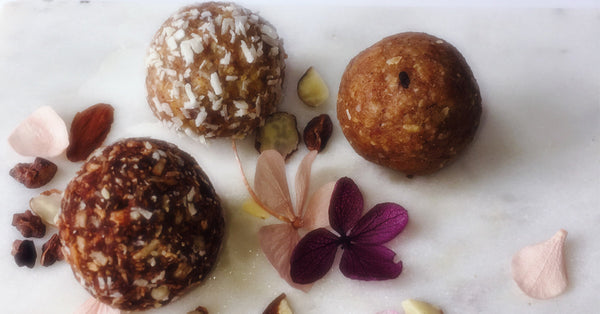Where to buy energy balls in Toronto. Order customized wedding favours from OMBITES.
