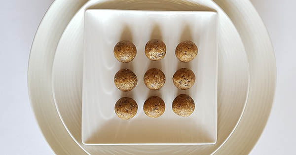 peanut butter energy ball recipe. peanut butter ball recipe. healthy peanut butter snack. peanut butter energy ball.