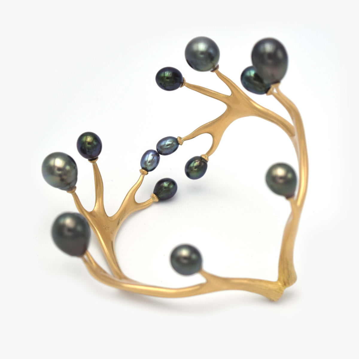 Tiara Cuff with Tahitian Black Pearls