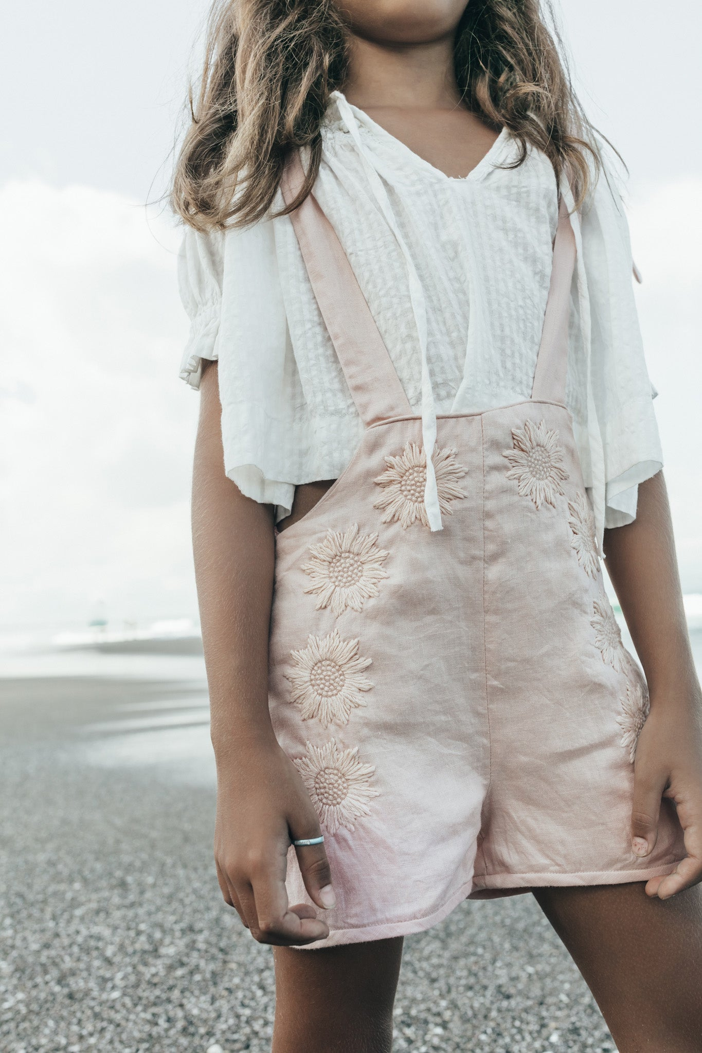 Kids Linen Daisy Mini Dungaree - Berry Bard Peach