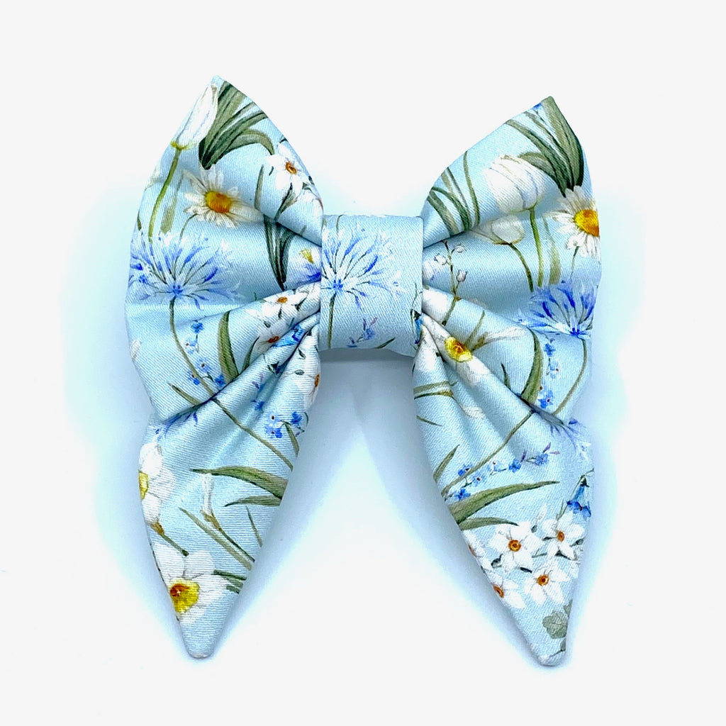"""Lake Breeze"" Bow Tie / Sailor Bow"