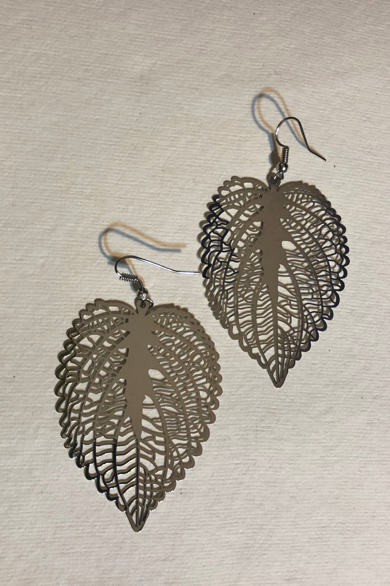 Earrings Flutter Love Leaf Silver