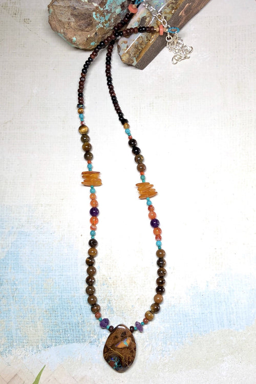 Necklace Cay Opal Mystic with Natural Gemstones and Australian Opal Centrepiece