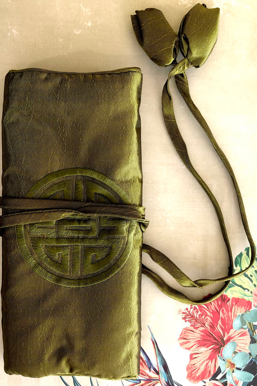 Jewellery Roll Tang in Olive