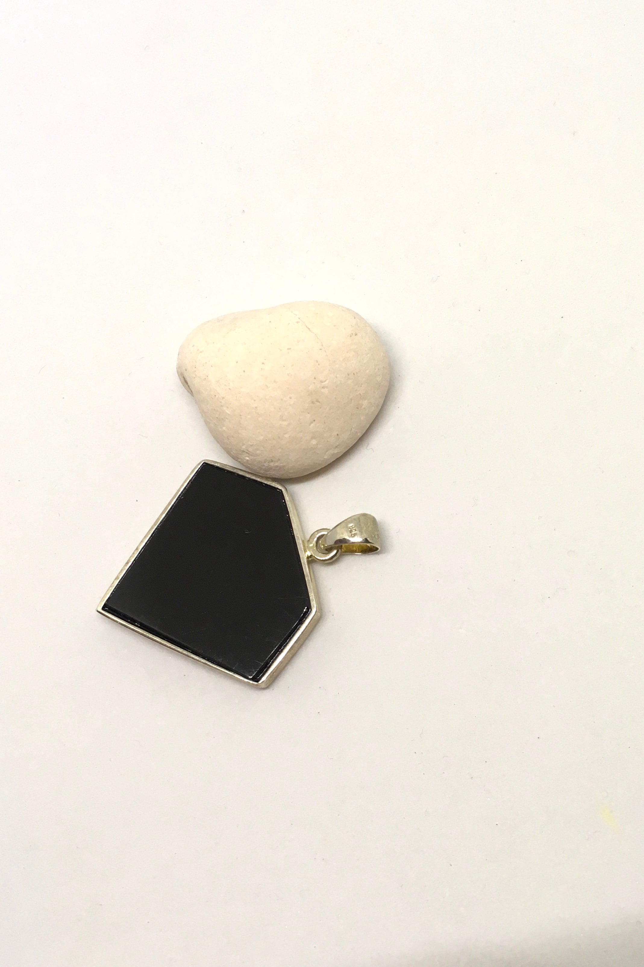 Pendant Heart of Stone and Shell in Diamond shape, inlaid stone pendant