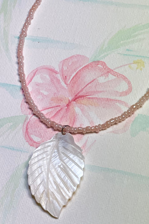 Necklace Shell Island Leaf in Pink