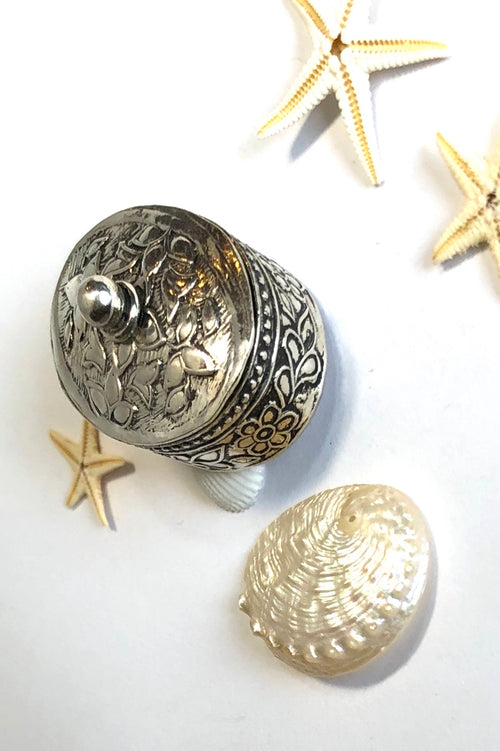 Echo Silver Pill Box Silver Foliate Design