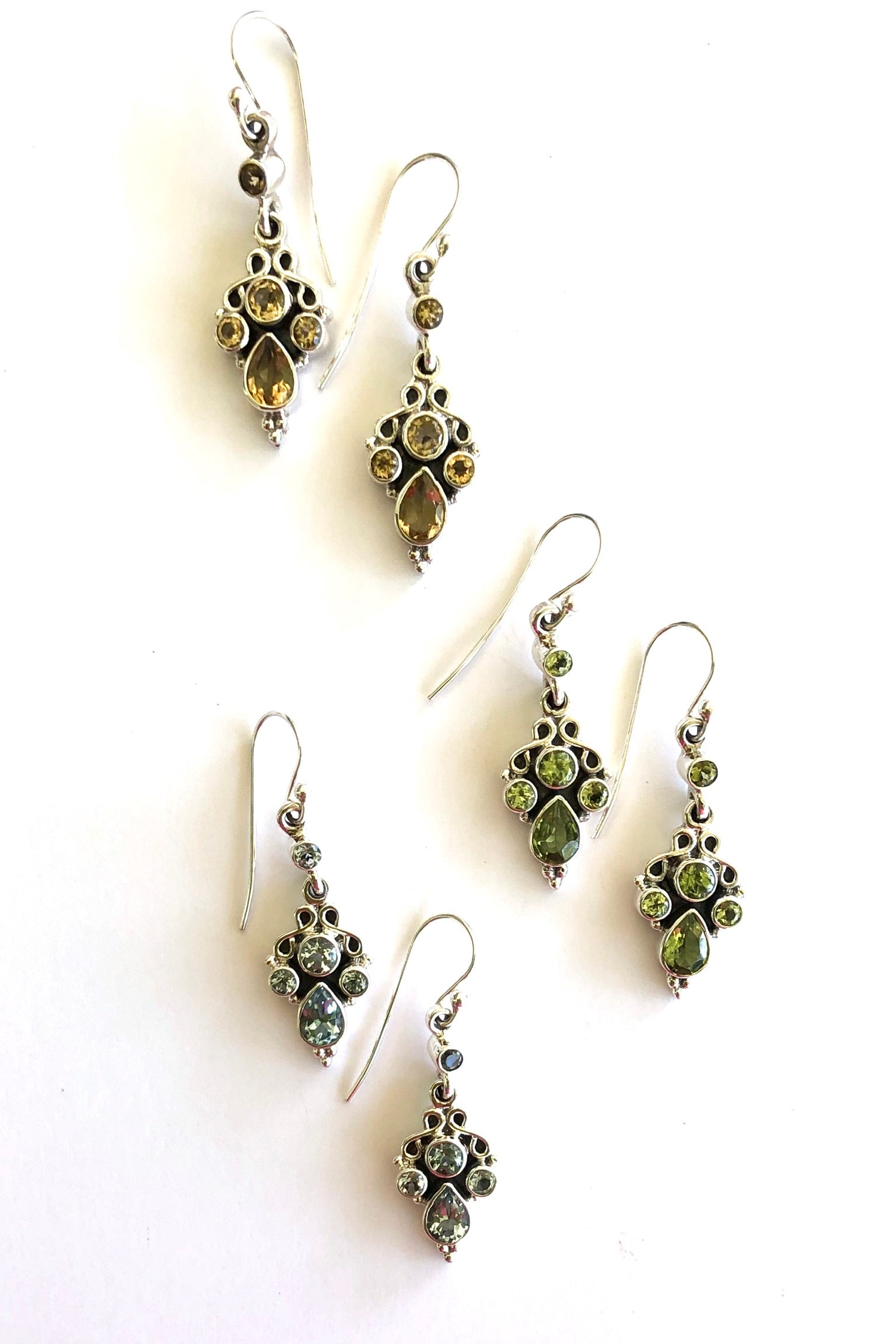 Summer Flowers in an earring, a pretty arrangement of gemstones, five faceted and sparkling stones set in 925 silver.