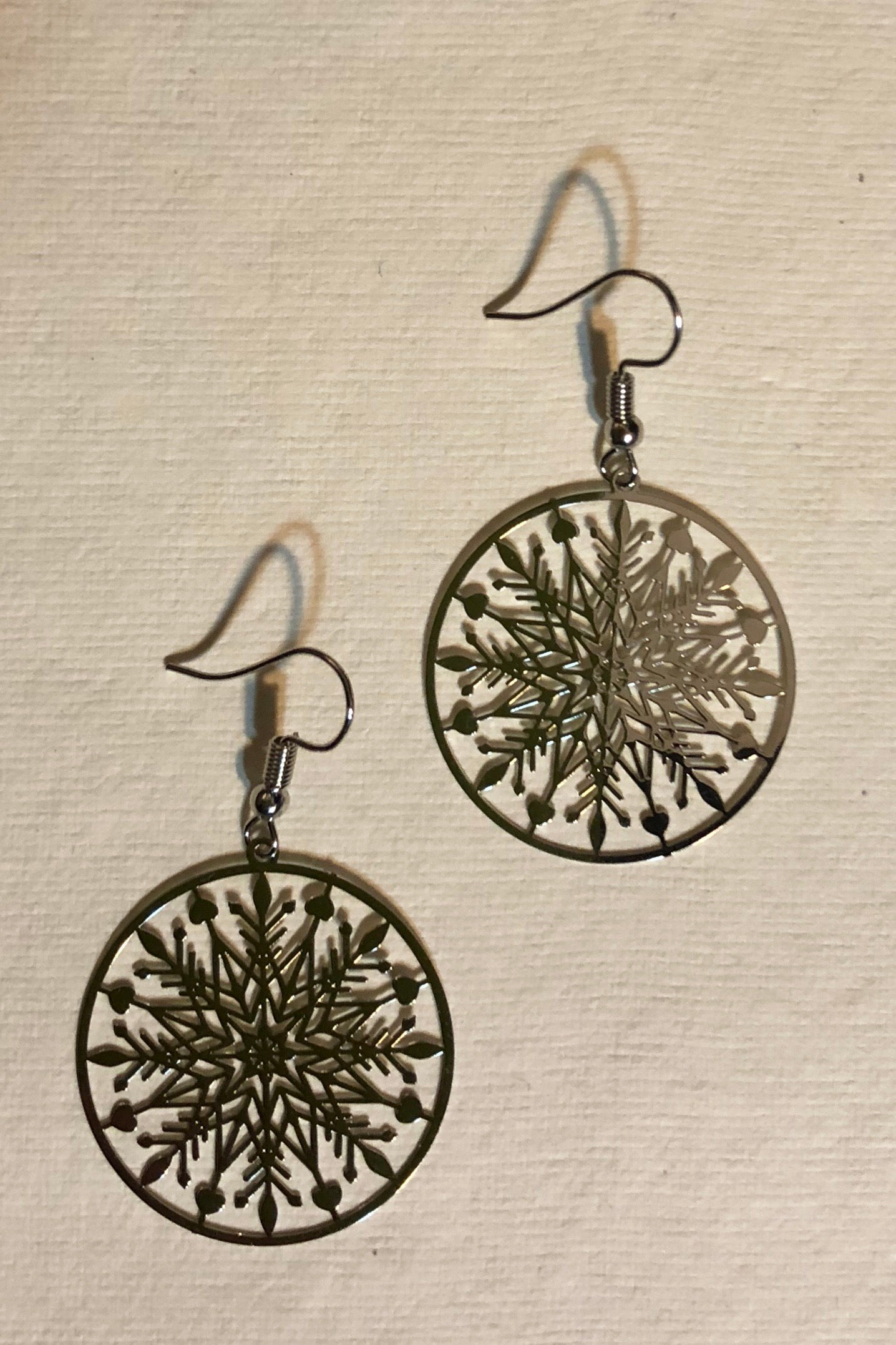 Earrings Flutter, Single Snowflake earring, Silver tone, lightweight flutter earrings, snowflake jewellery