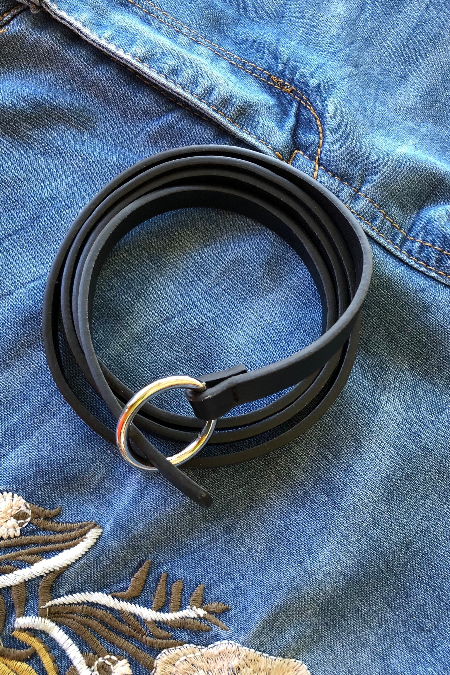 Belt Ring Available in Black