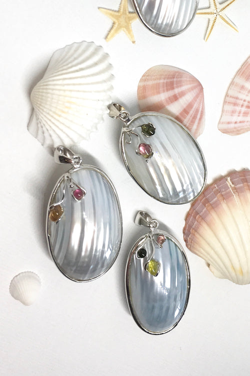 Pendant Shell with Tourmaline and Silver in Silvery Blue Colour