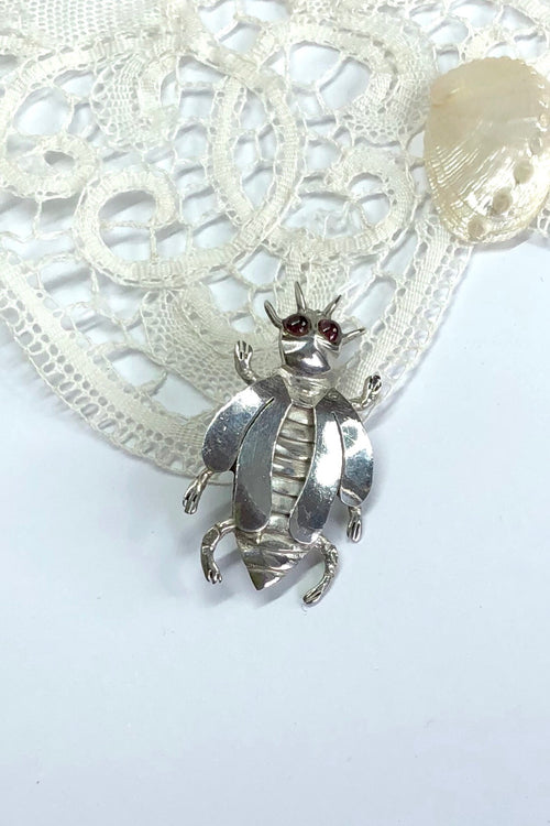 Echo Brooch Little Beetle