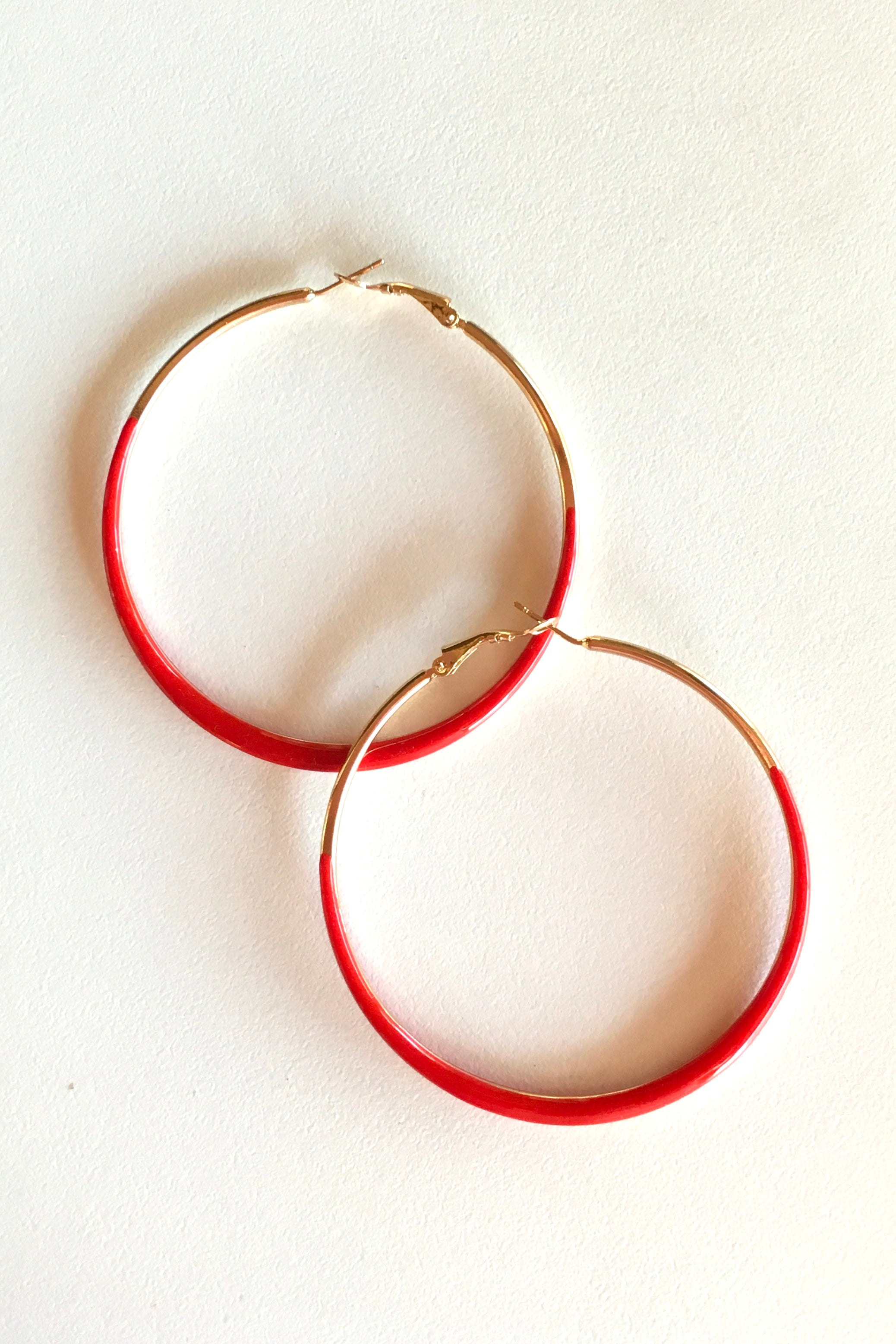 Earring Hoop in four colours, 80s style hoop enamel and gold earring