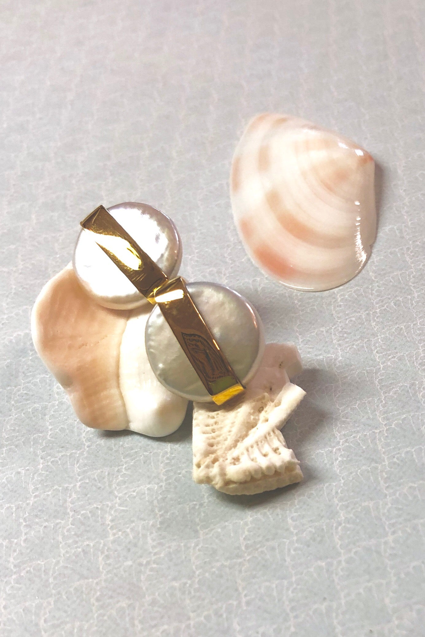 Earring Pearl Stud Luna Moon, natural pearl and gold earring