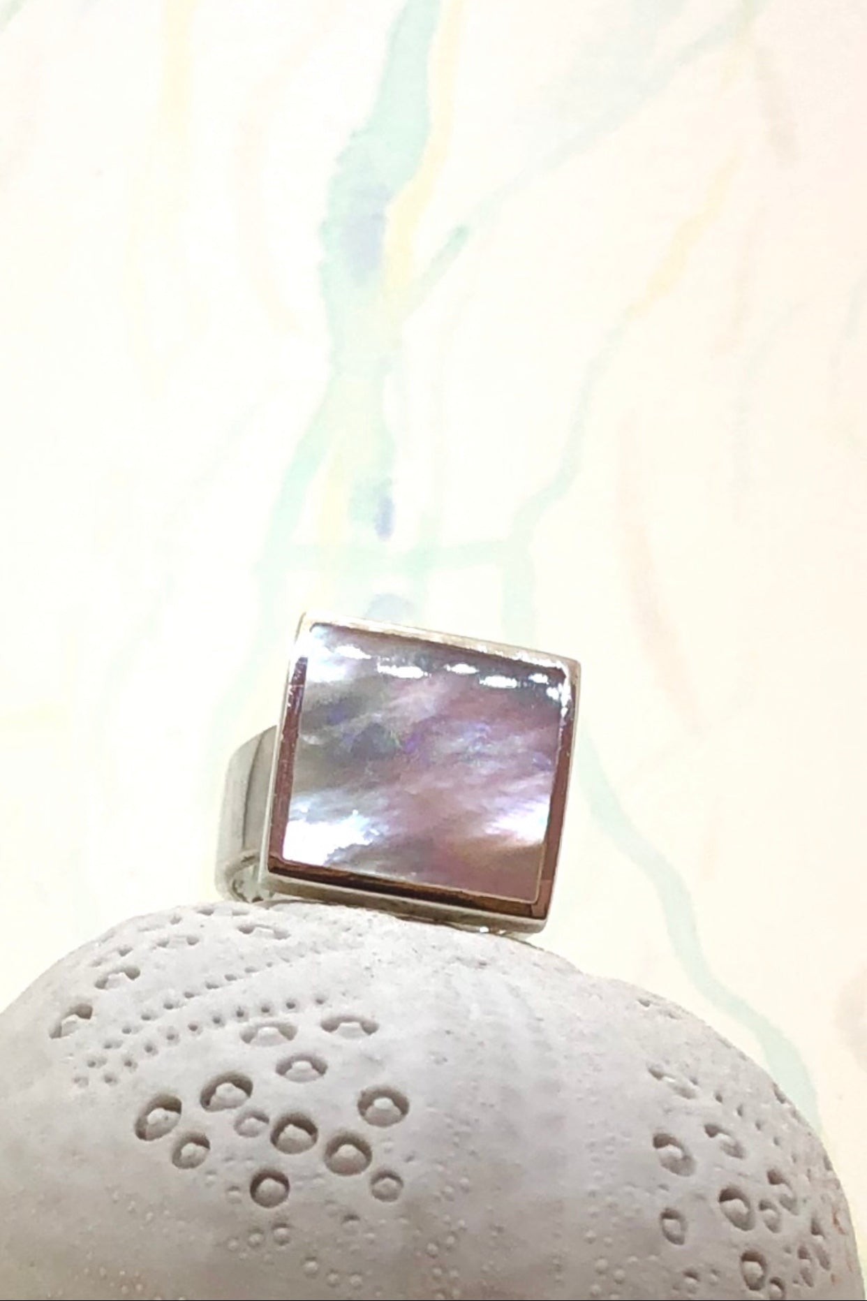 Echo Ring Mother of Pearl Square 925 Silver is 925 silver setting and ring band with square mother of pearl.