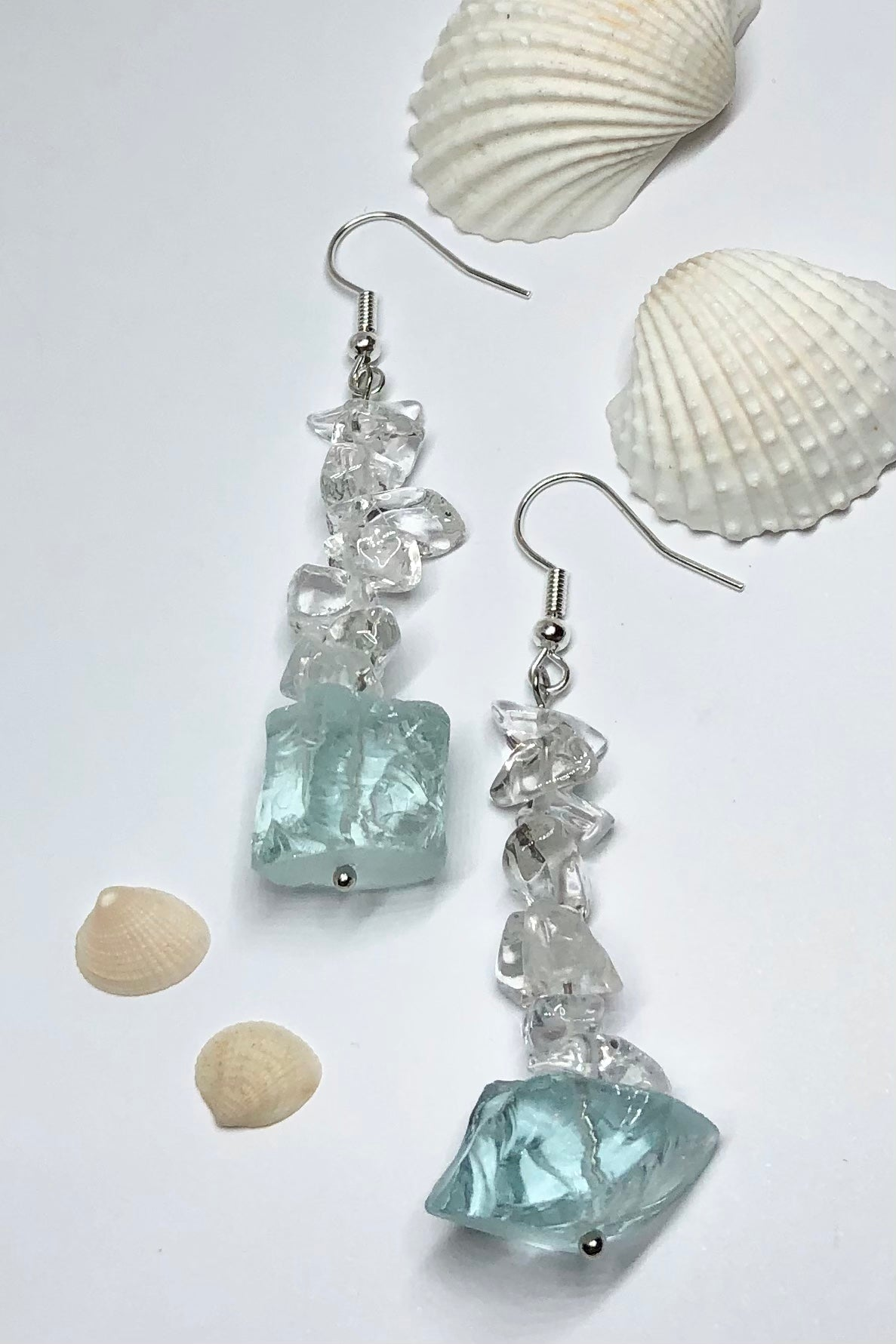 Earrings Serendipity Icey Aqua Rock are designed to sparkle like a turning wave. A drop design, with the sparkle of crystal.