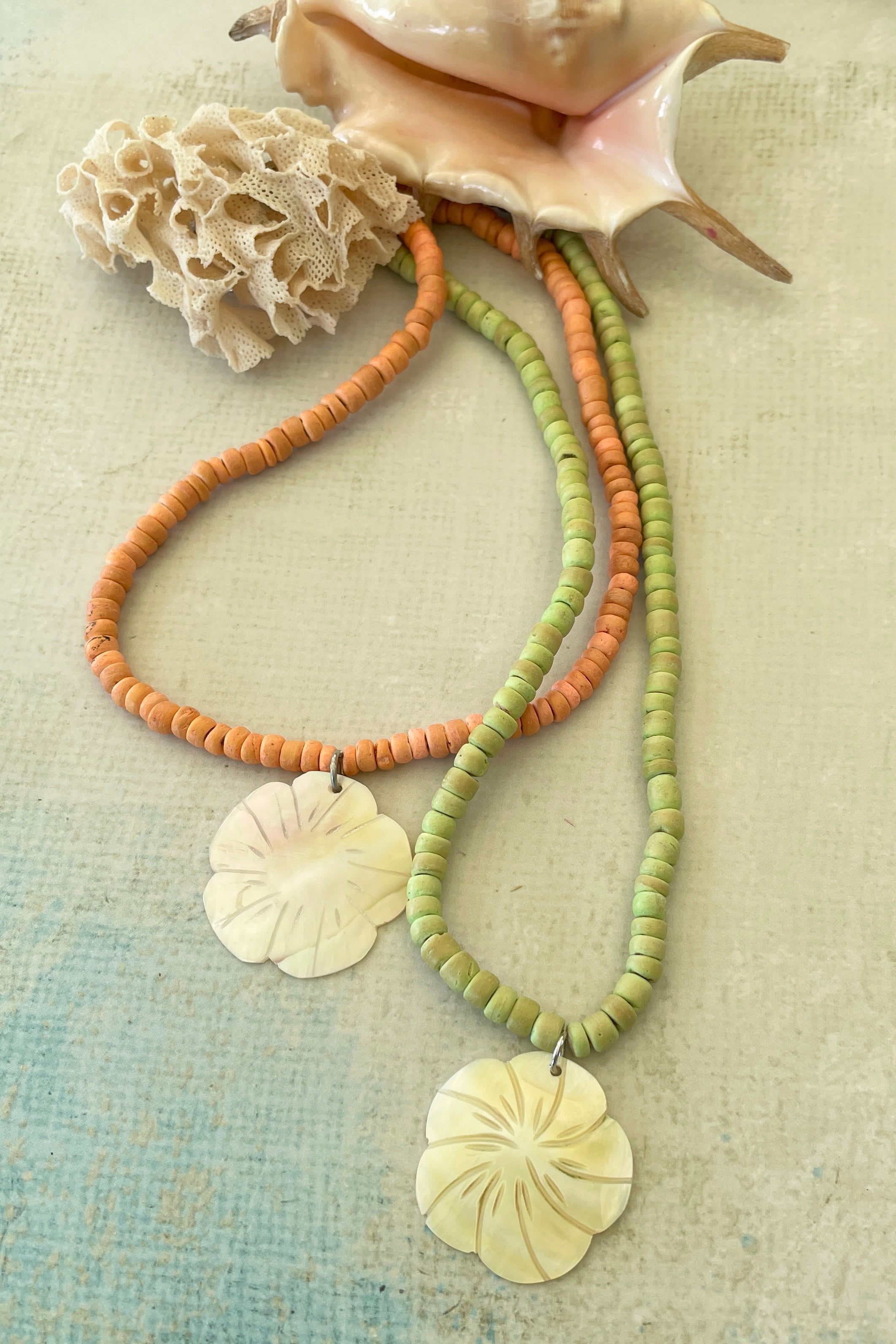 Necklace Blu Coco Hibiscus Lime