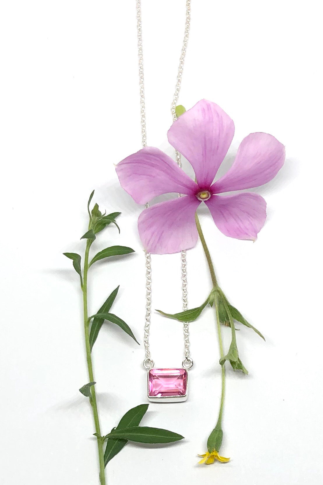 A tiny and dainty necklace,Oracle Necklace Gems Pink Quartz is just a small pop of colour to your outfit featuring approximate 1cm wide, 925 solid silver.