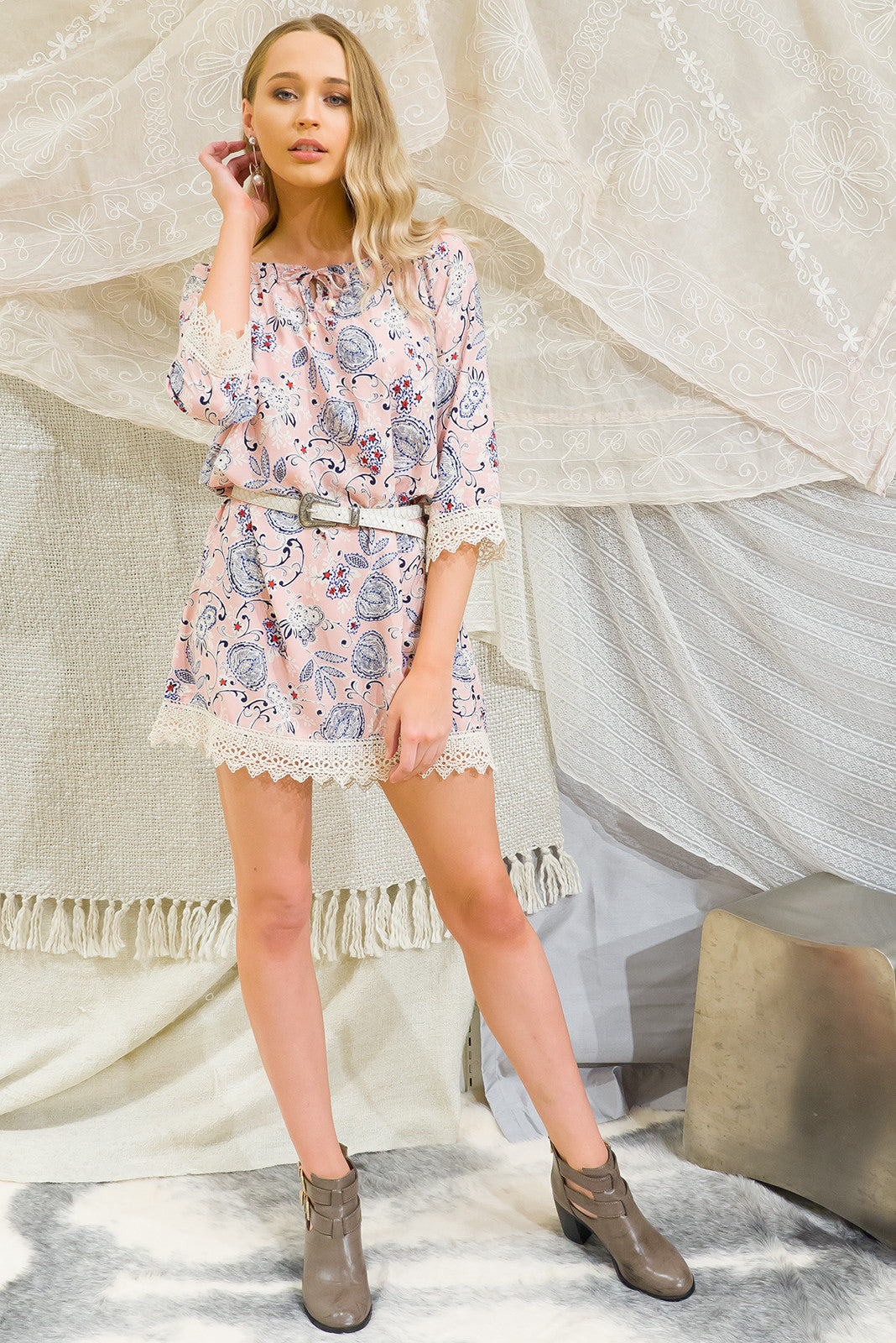 Angie Dress Taffy in Petal pink floral print