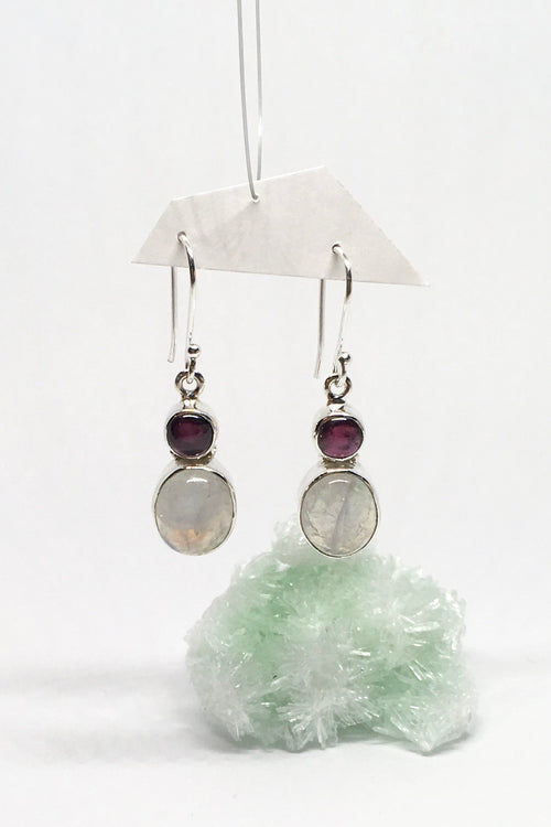 Oracle Earrings Moonstone Dance in 925 Silver with a Garnet