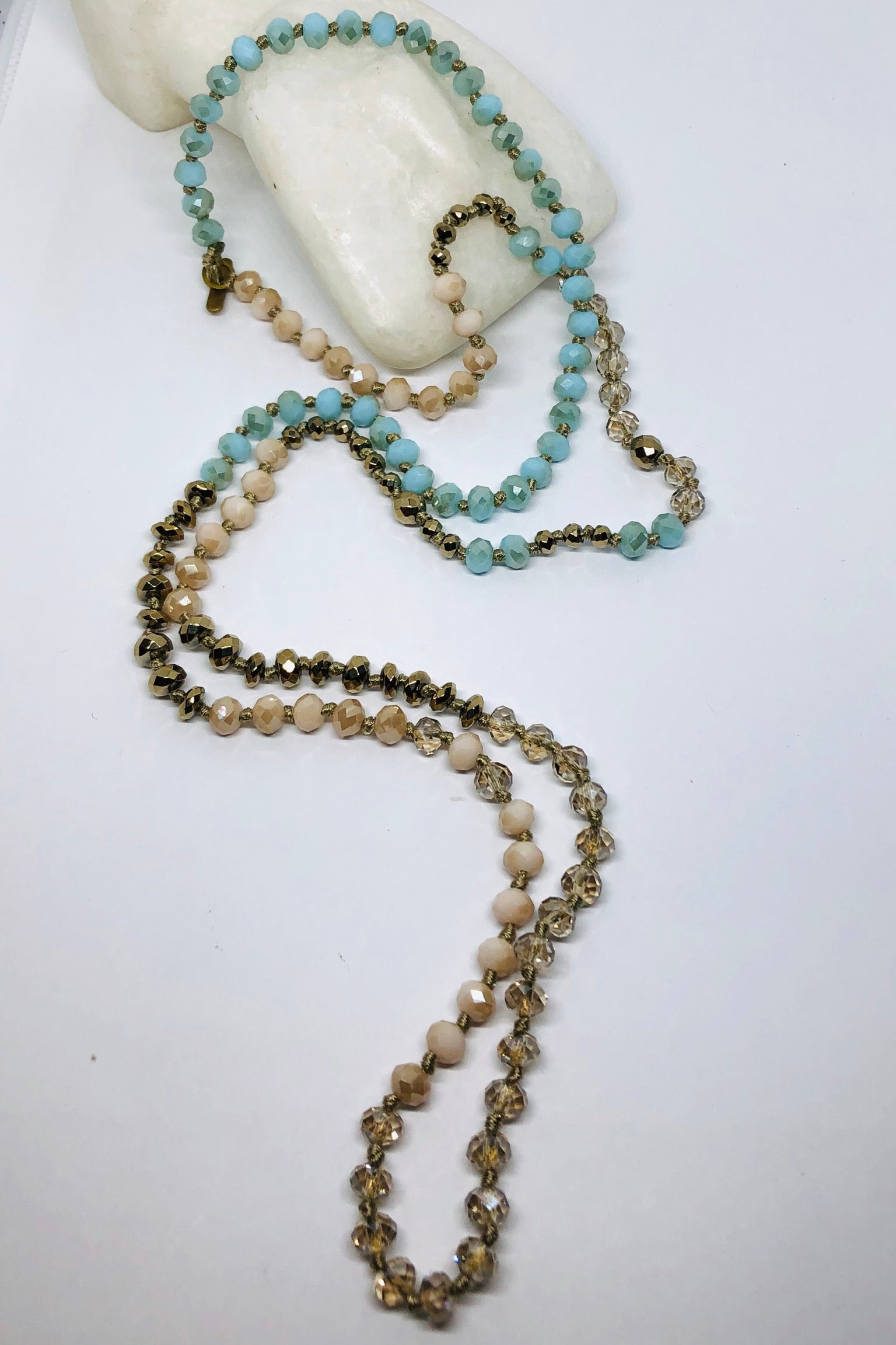 Necklace Geode Sea Foam, long beaded necklace in pretty seafoam colour
