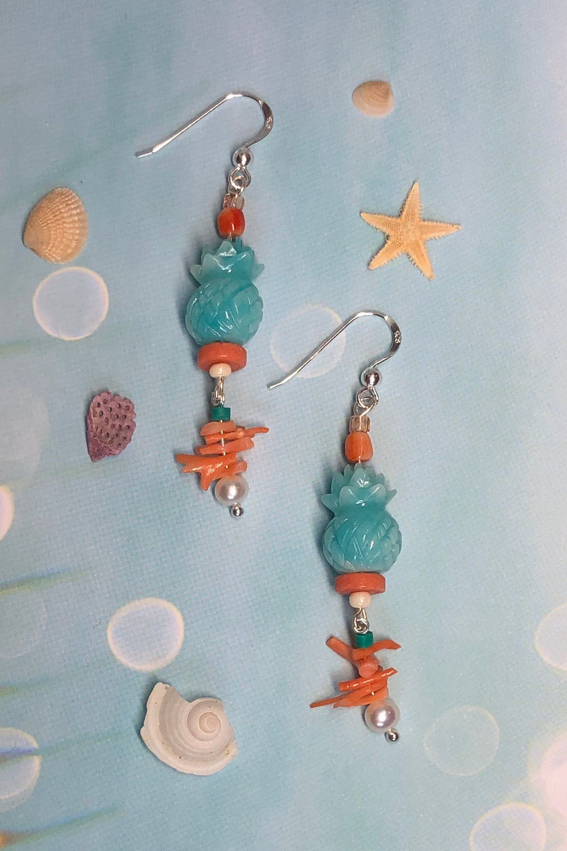 The most darling design! the Earrings Serendipity pineapple blue are sure to get plenty of compliments.