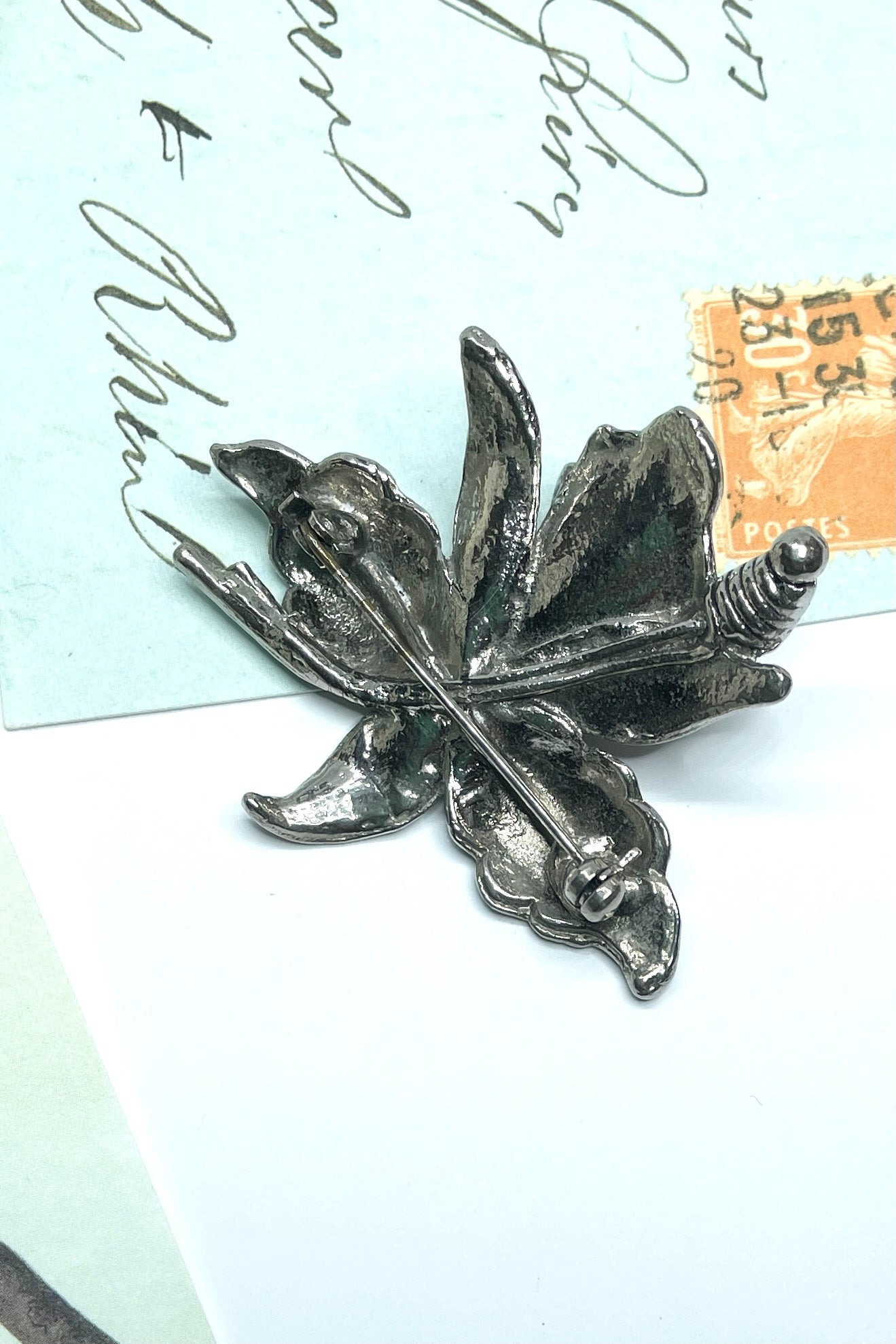 An interesting retro orchid flower brooch, this strange and bold piece is most likely an art piece from  the late 1940,s