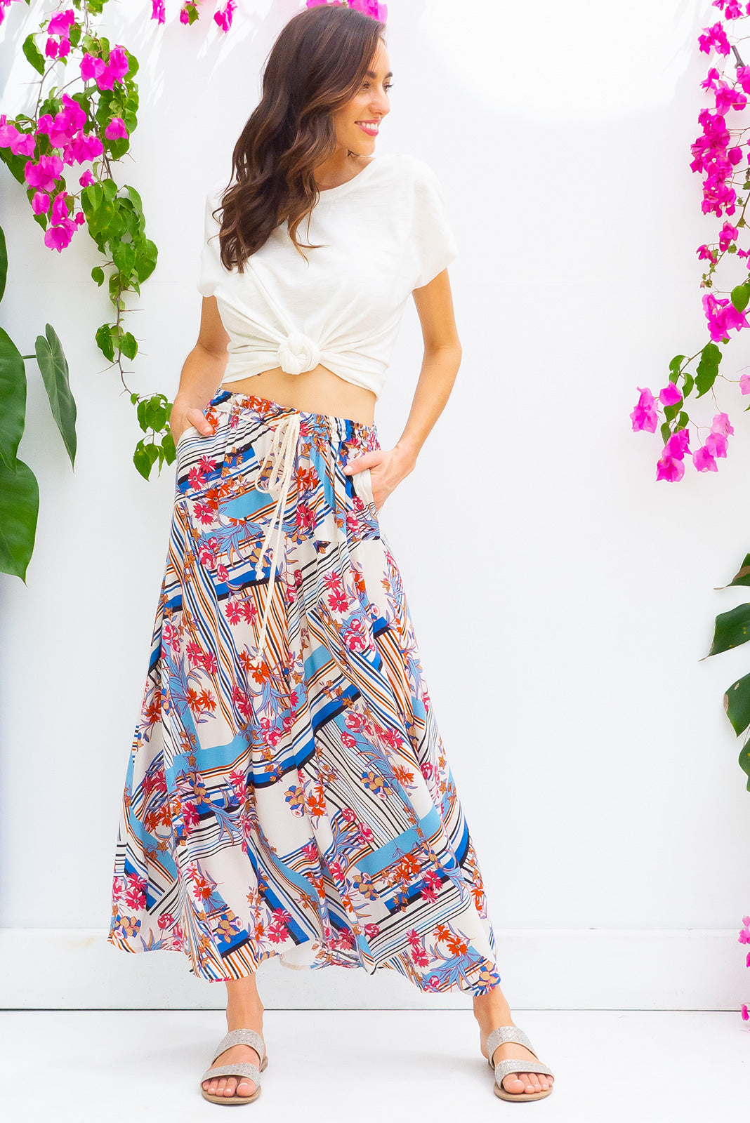 Catalina Vintage Blues Maxi Skirt with a elastic waist band and pockets in a gorgeous retro inspired bohemian cool toned print