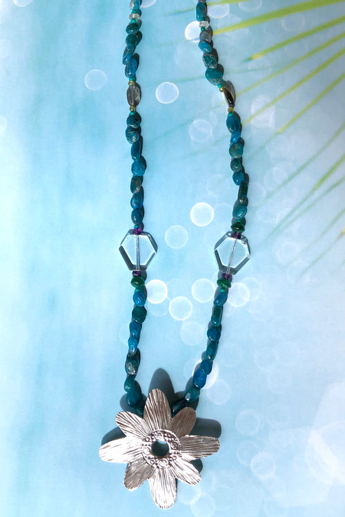 Necklace Cay Flower and Apatite