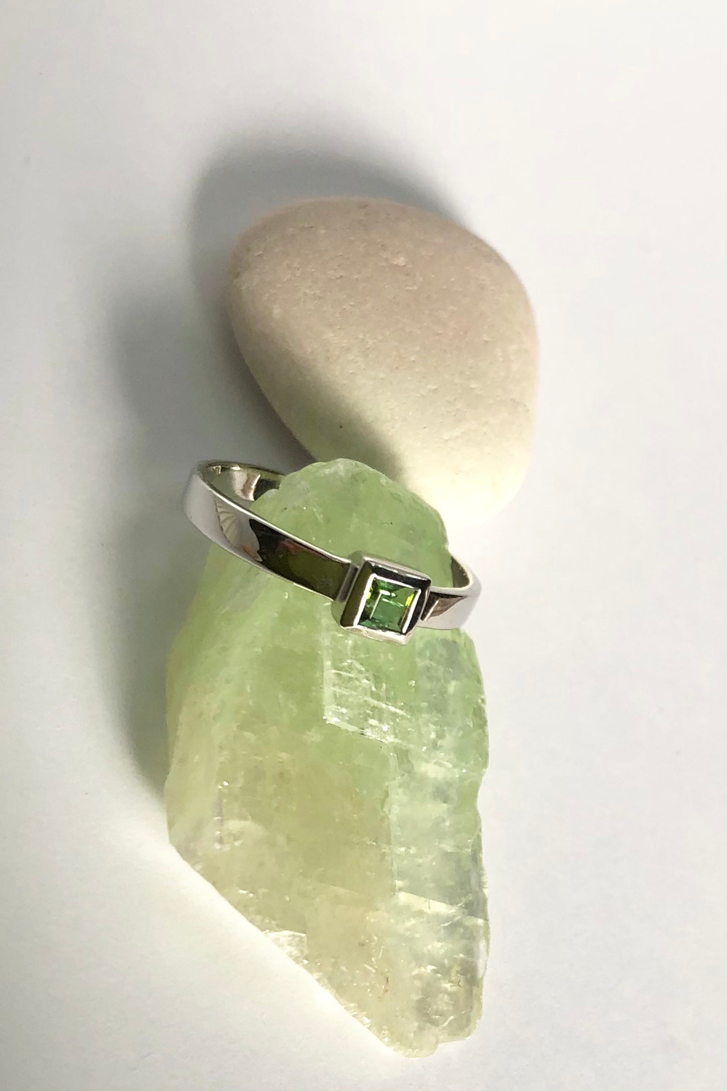 Oracle Ring Square Set Green Tourmaline