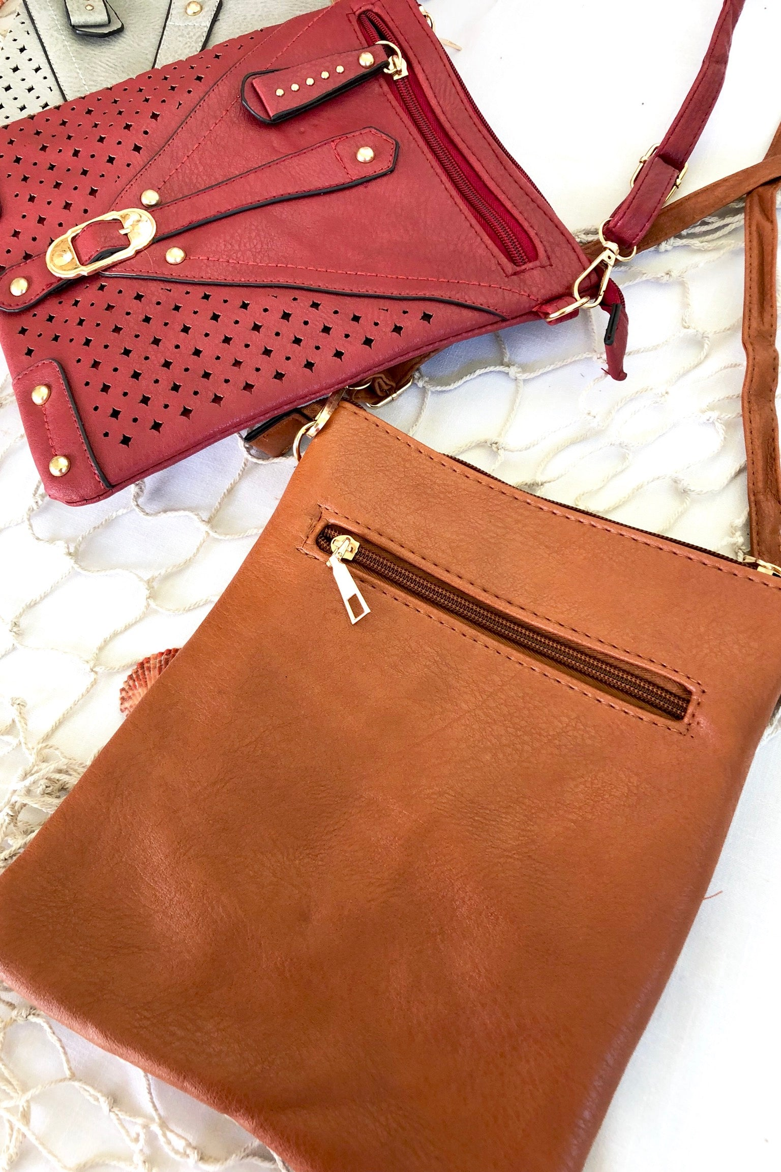 Bag Yeah Chic Buckle in Caramel, Grey and Wine