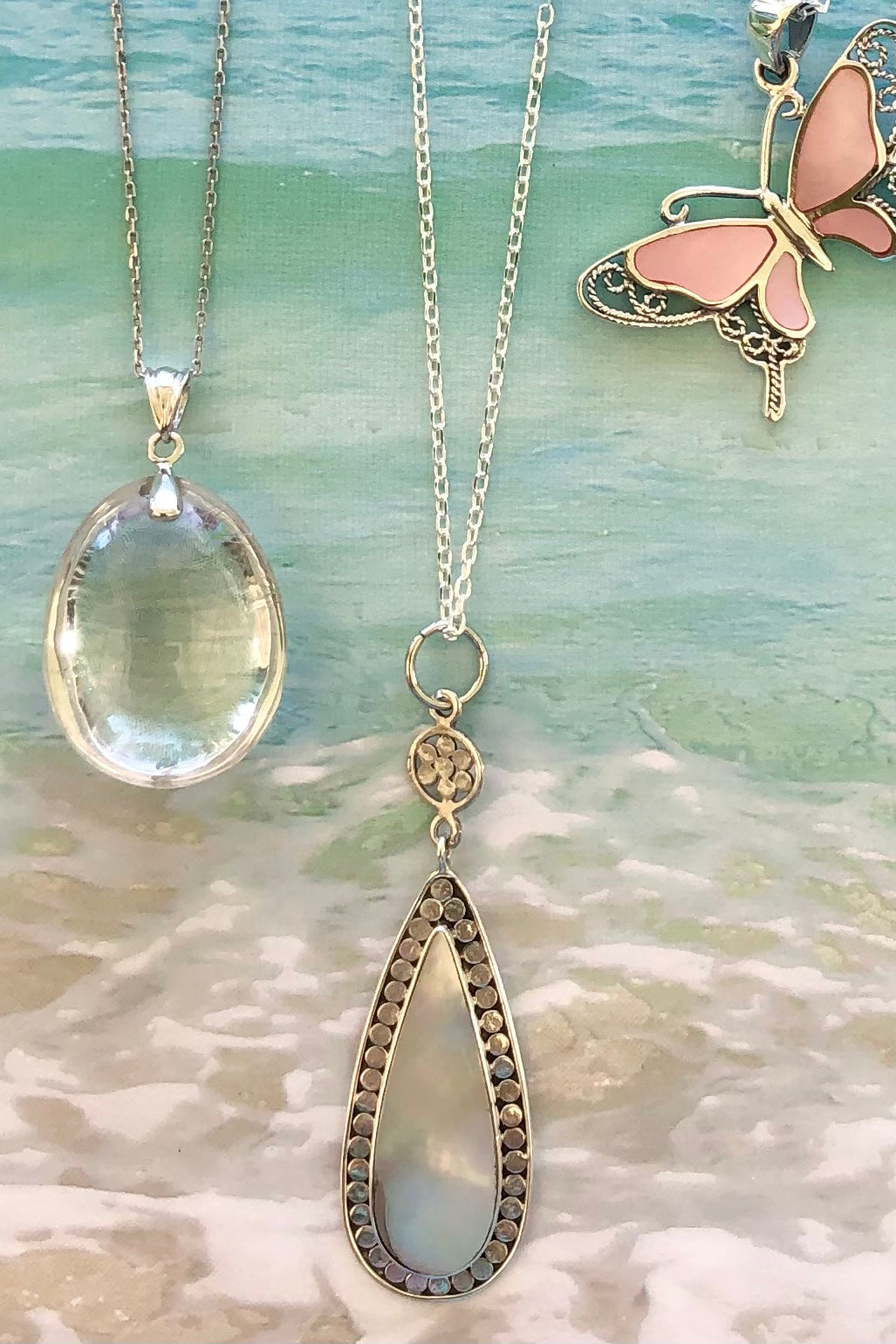 Vintage inspired Mother of Pearl teardrop pendant
