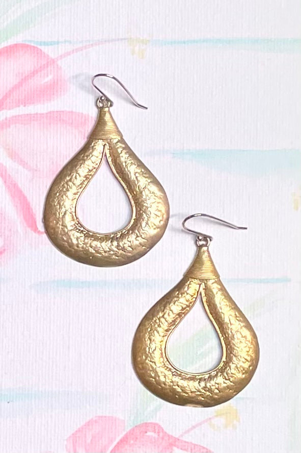 These gold plated silver vermeil earrings will make you feel like an Exotic princess, with a stunning antique finish they really look like pirate treasure.