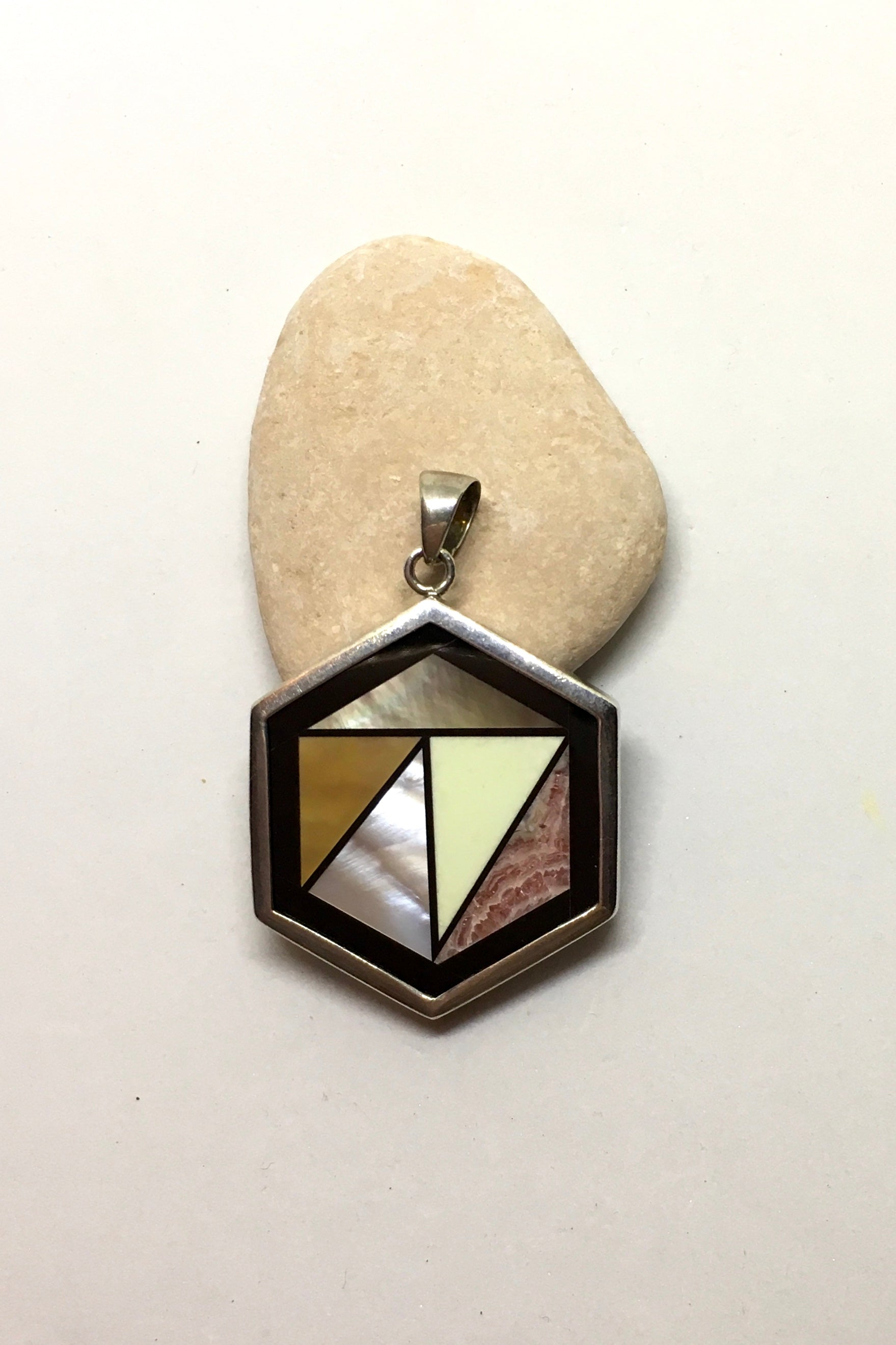 Pendant Heart of Stone and Shell in Geometric shape, inlaid stone pendant