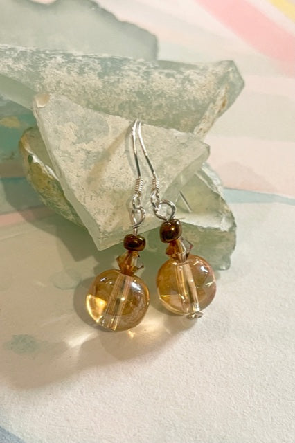 Gorgeous little golden crystal bead earrings, very light and easy to wear.