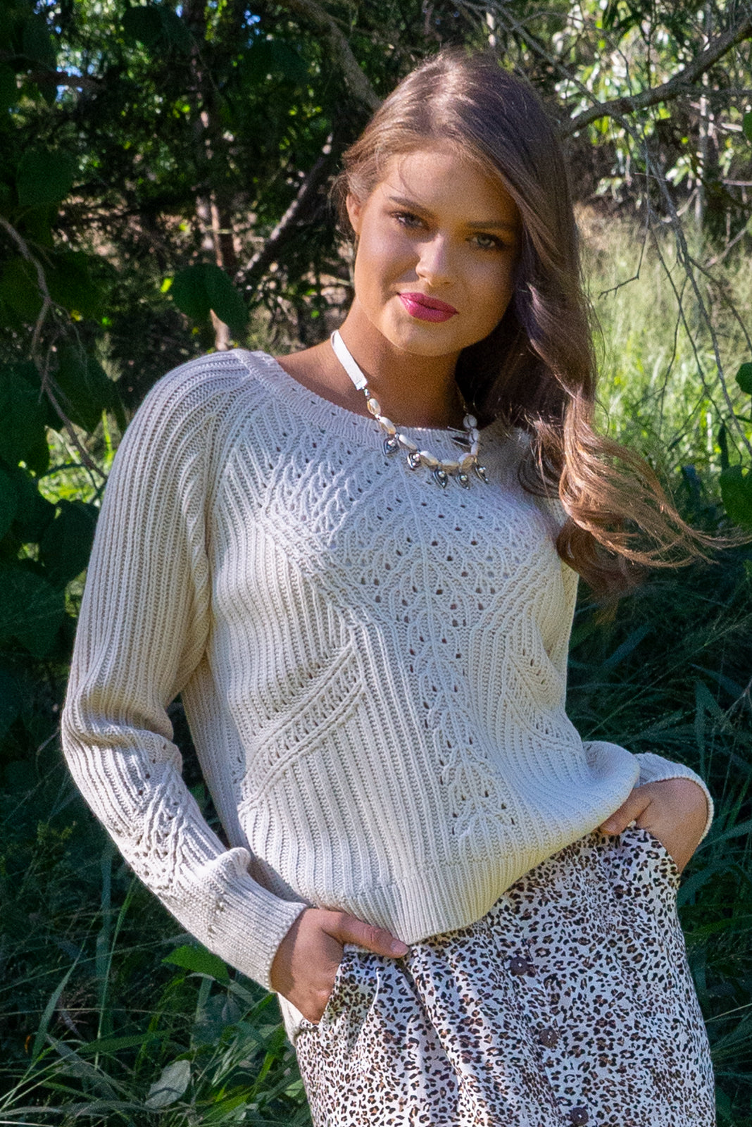 Cream, warm Jumper Caro Ecru will keep you cosy this winter. Vintage style ribbed weave design and ribbed cuffs. Scoop neckline and loose fitting. Very bohemian.