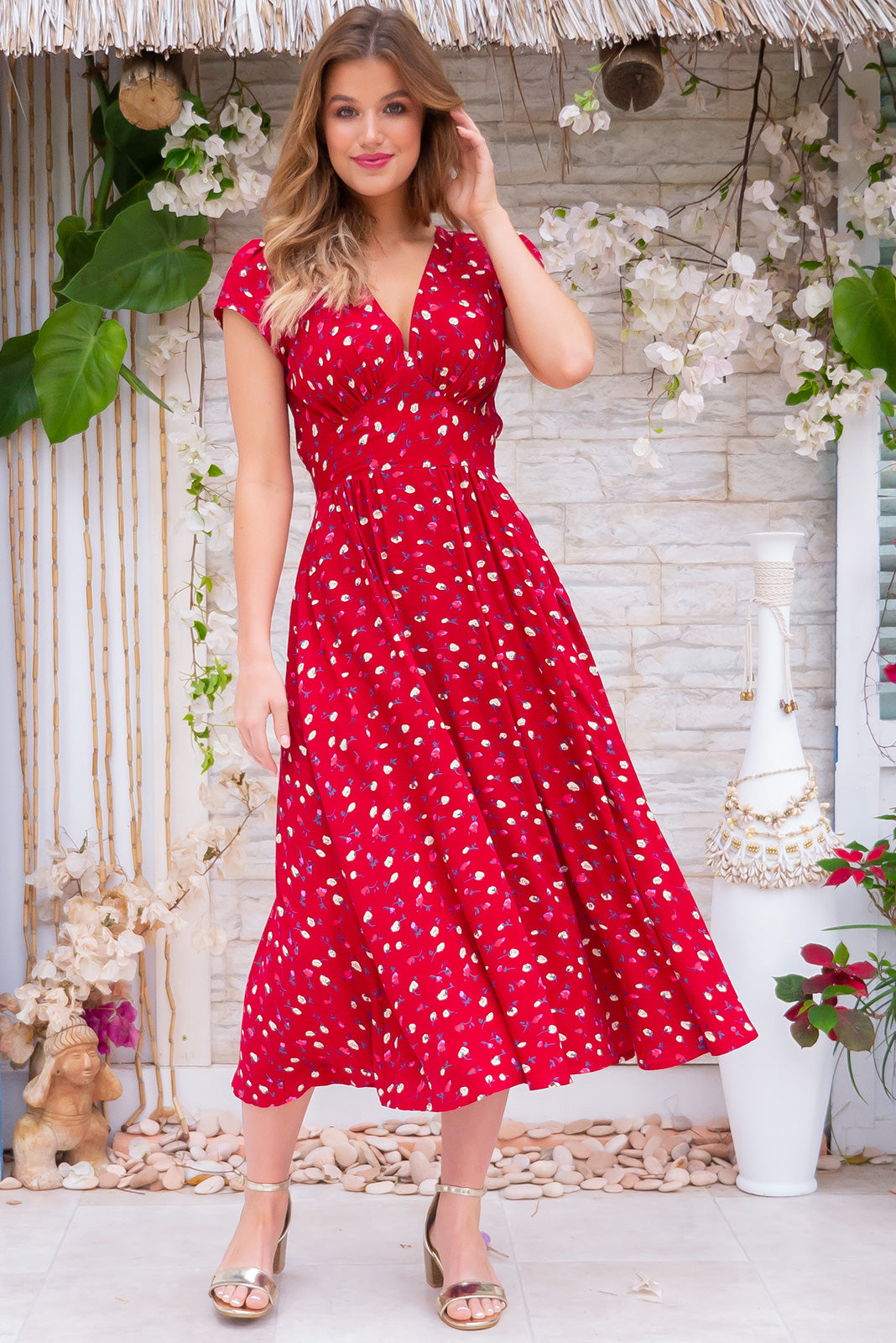 Lizzie Valentino Red Dress Romantic Retro Scarlet Floral Rayon Midi Dress With pockets and cap sleeves.