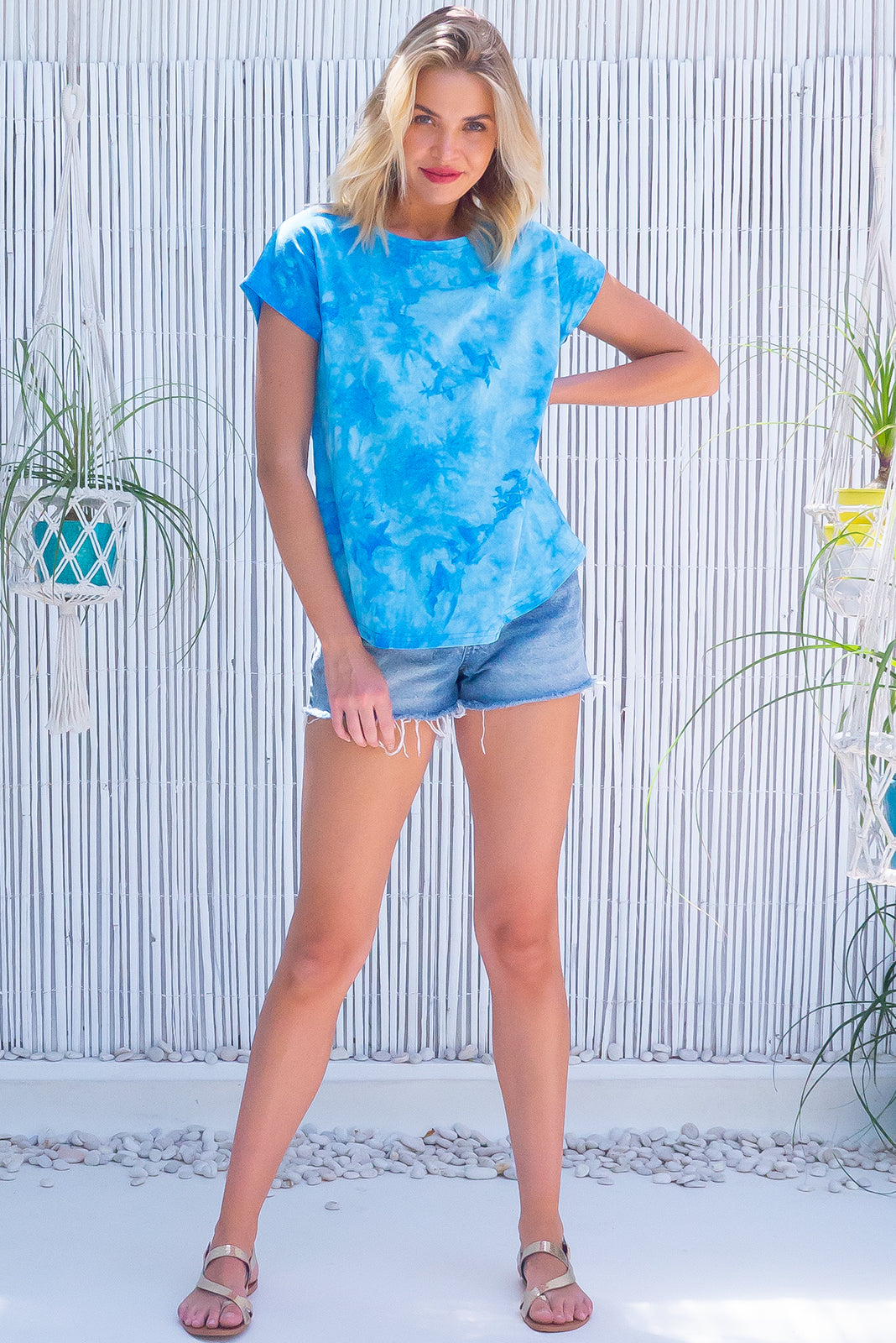 Trendy blue/white tie dye T-shirt, Phoenix Blue Wash Tie Dye Tee  features 100% cotton and curved hem.