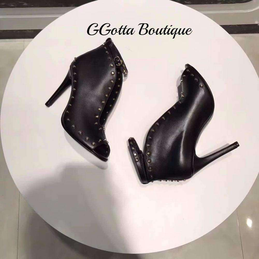 GGotta's T-heels Ankle Strap Ankle Boots