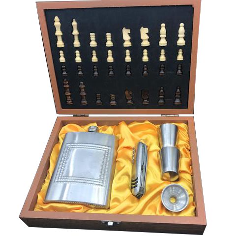 Chess and Hip Flask Gift Box - The Drunk Boutique