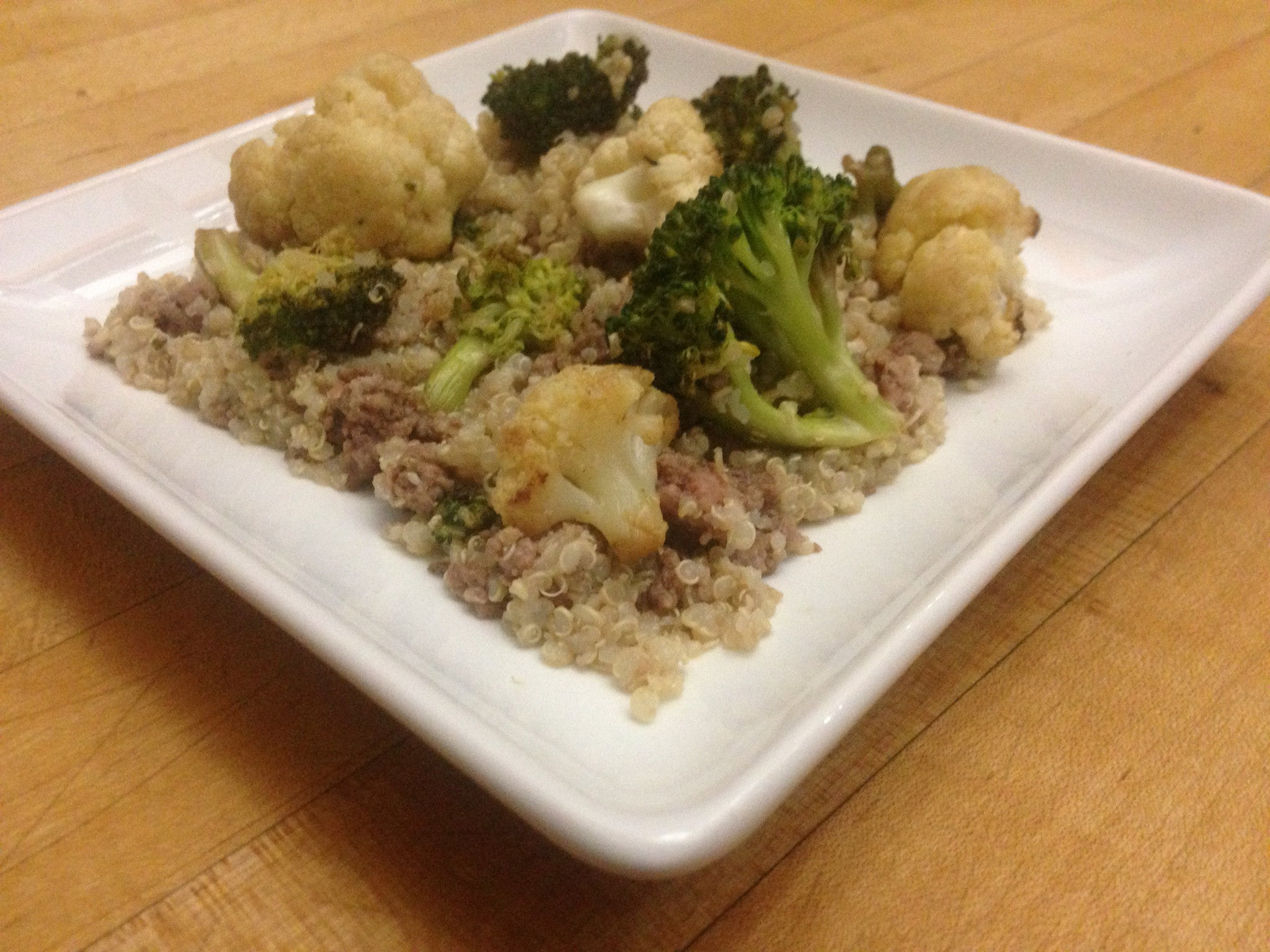 chicken-fried-quinoa-with-broccoli-&-cauliflower-skillit-simple-easy-recipes-dinner-skillet