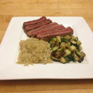 sliced-sirloin-with-quinoa-&-zucchini-skillit-simple-easy-recipes-dinner-skillet
